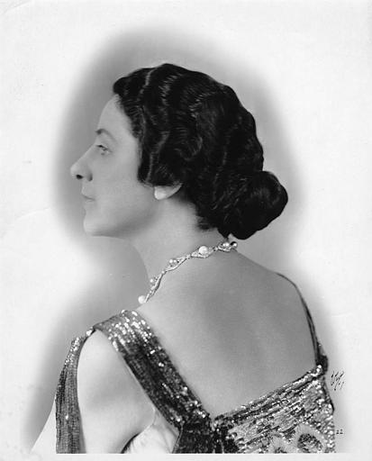 Portrait de Géraldine Farrar de trois-quart dos (Goldwyn Pictures)