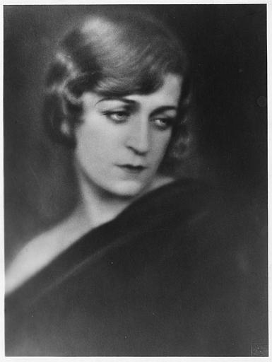 Portrait de Diana Karenne