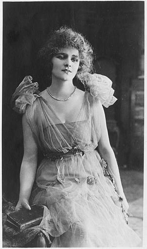 Portrait de Pauline Johnson dans 'Blanchette' de René Hervil