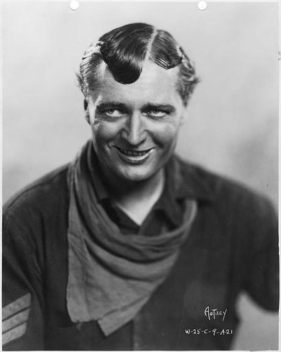 Portrait d'Eddie Lowe en soldat