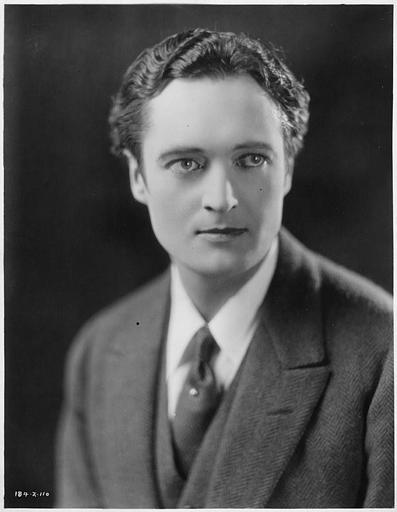 Portrait d'Edmund Lowe jouant Don John dans 'In the Palace of the King'  d'Emmett-J Flynn (Goldwyn Pictures)