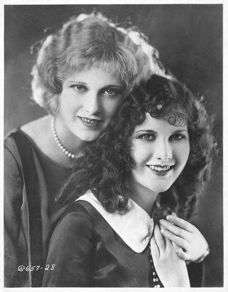 Portrait de Mary Brian et Esther Ralston