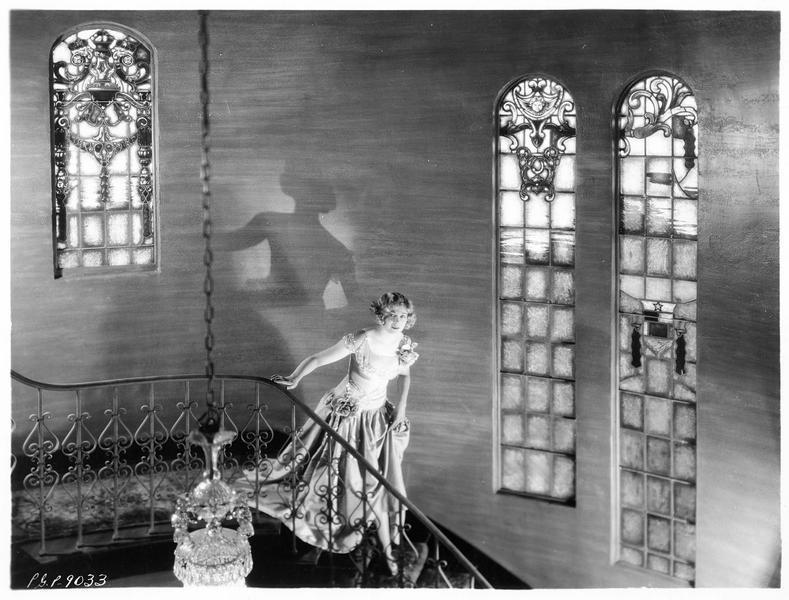 Esther Ralston dans sa maison à Hollywood