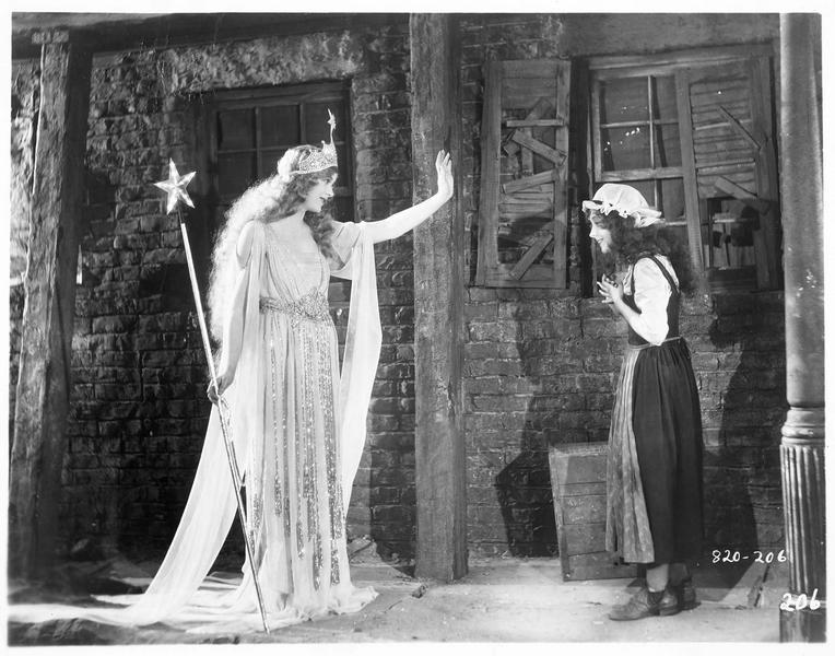 Cinderella (Cendrillon) et la fée