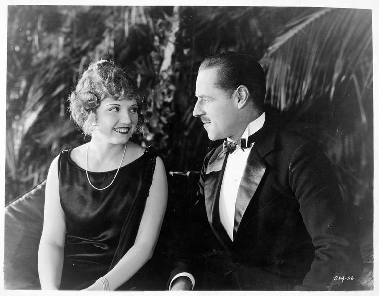 Sam Sandell (J. Holt) et Harriet Halehurst (E. Novak)