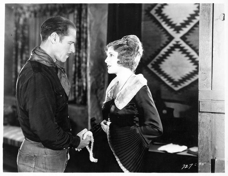 Gene Stewart (J. Holt) et Madeline Hammond (B. Dove)