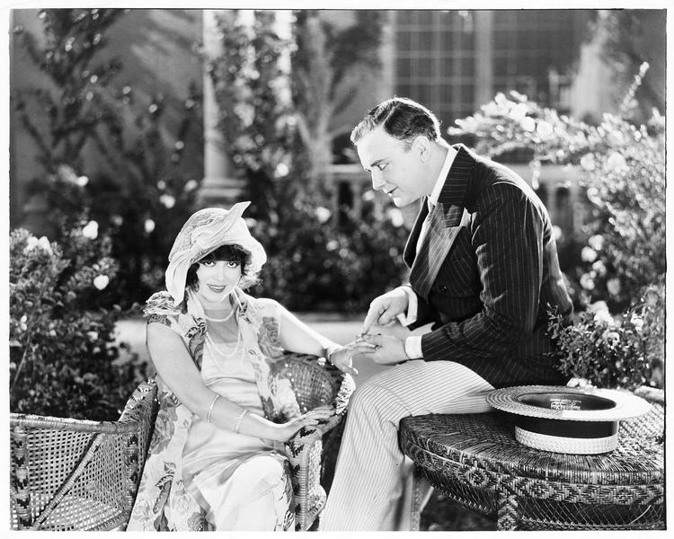 Jack Mitchell (J. Eltinge) et Gwen Townley (A. Pennington)