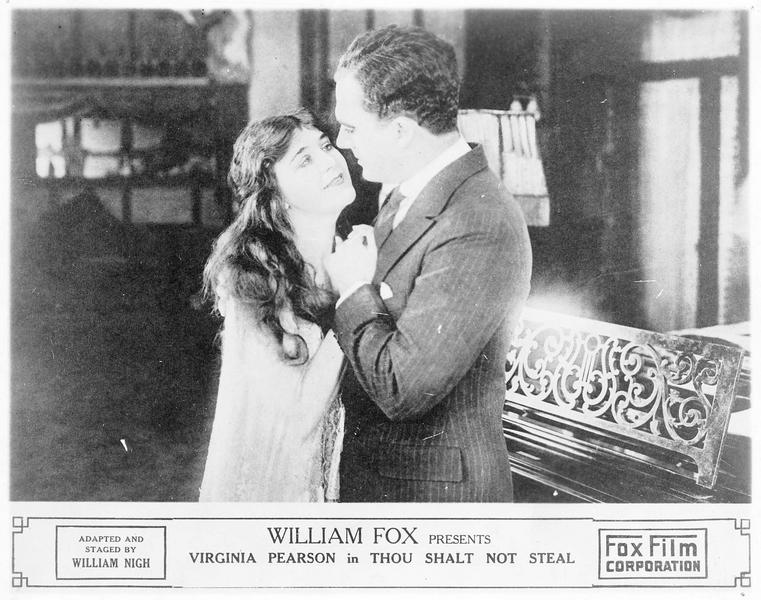 Mary Bruce (V. Pearson) et Lord Haverford (J. Goldsworthy)