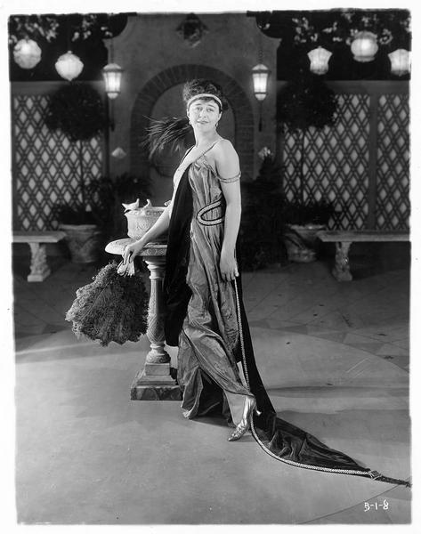 Beatrix Buchanan (V. Pearson)