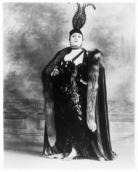 Portrait de Valeska Suratt dans le rôle de Grace Leonard