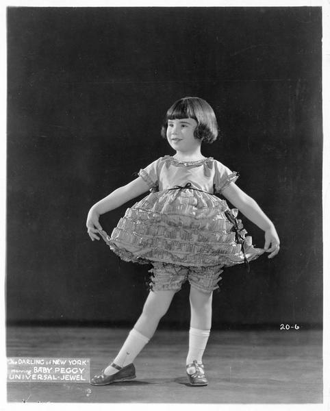 Portrait de Baby Peggy en danseuse