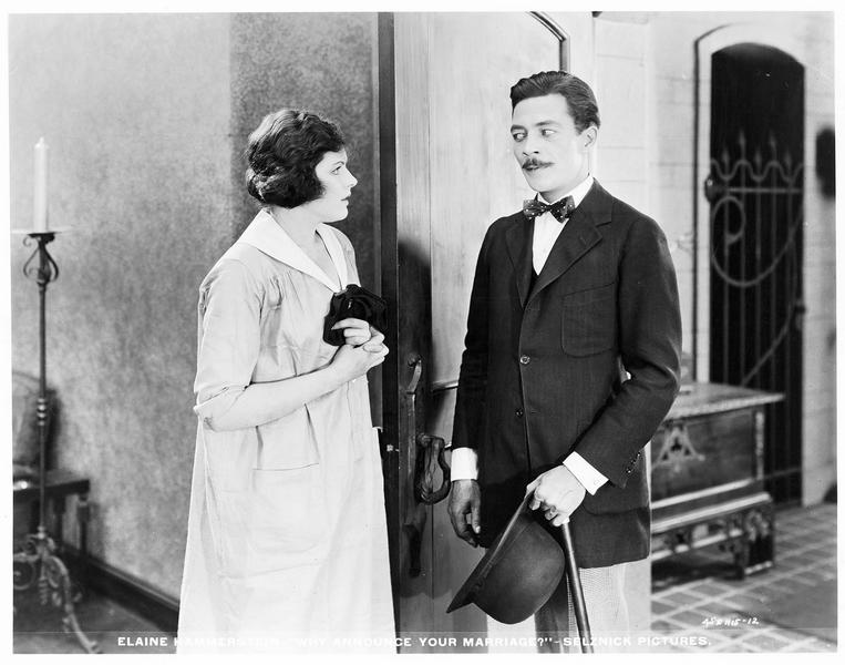 Arline Mayfair (E. Hammerstein) et un visiteur