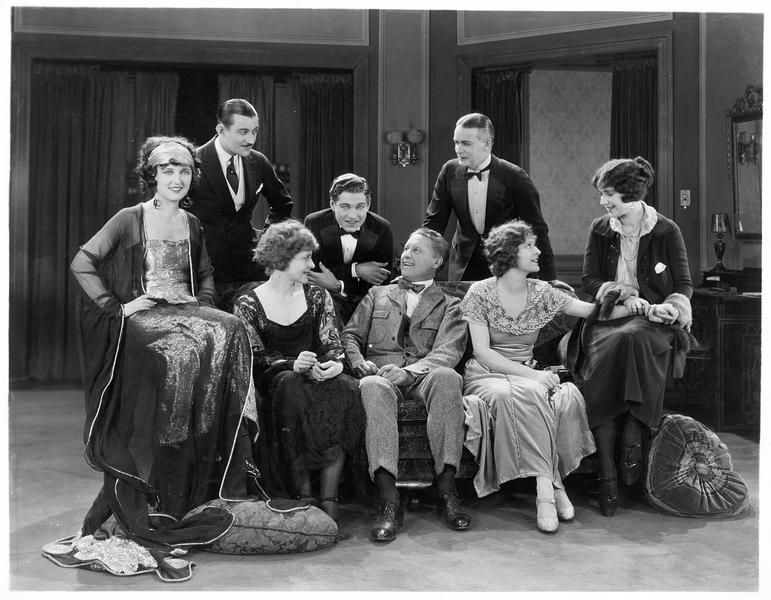 Casting du film 'The Famous Mrs. Fair'