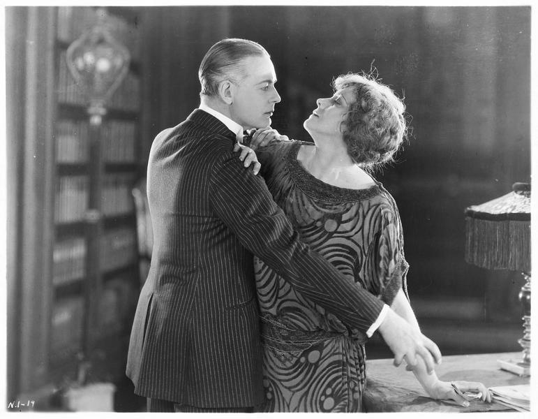 Sylvia Fair (M. de la Motte) et Jeffrey Fair (G. Huntley)
