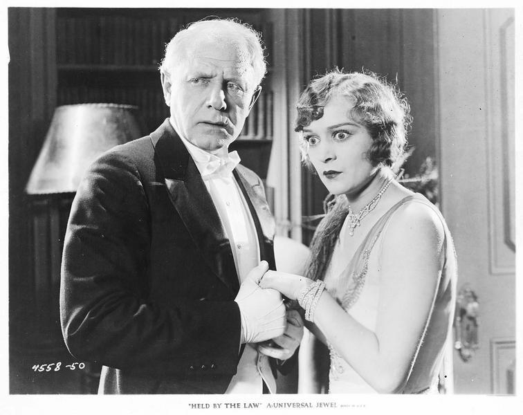 George Travis (R. Lewis) et Mary Travis (M. de la Motte)