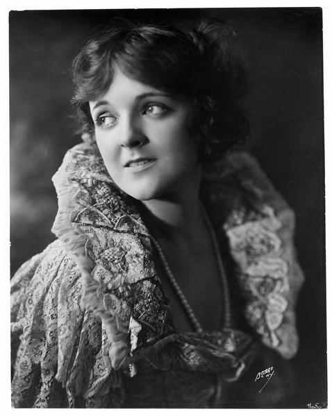 Portrait de Jean Paige