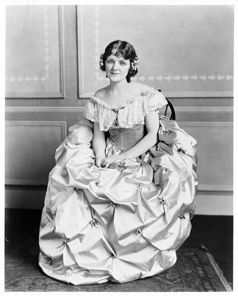 Portrait de Jean Paige dans le rôle de Jessie Gordon