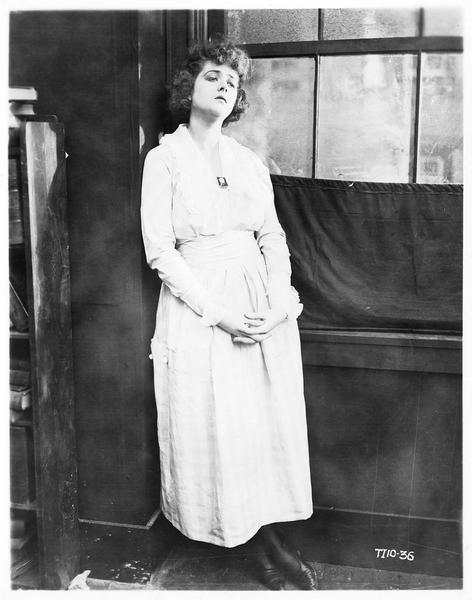 Portrait de Katherine MacDonald