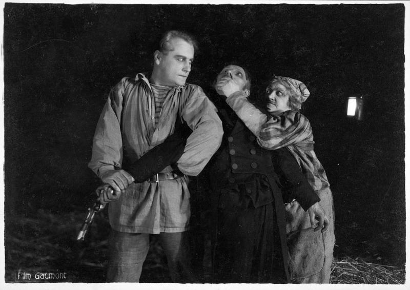 La mère Moscou (M. Guitty) et un complice kidnappant un homme