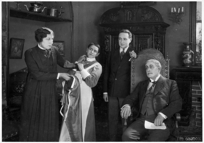 Palmyre (A. Tissot), le détective Félix Perrin (R. Poyen), le détective Claudin (F. Herrmann) et M. Decoudray (E. André)