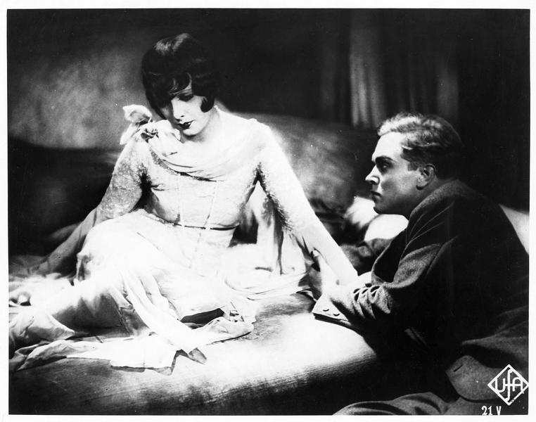 Anna (D. Parlo) et Karl (G. Fröhlich)