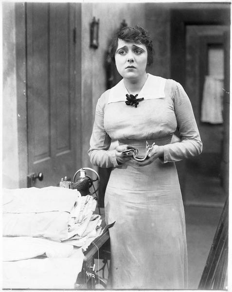 Ruth Davis-Mrs. John Brent (N. Craig)