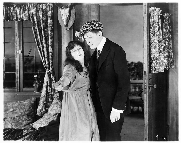 Jane (P. Hyland) et Albert Barth (G. Webb)