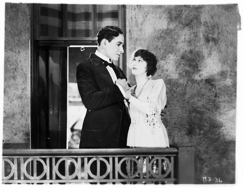 Winifred Bryce (P. Hyland) et son amoureux