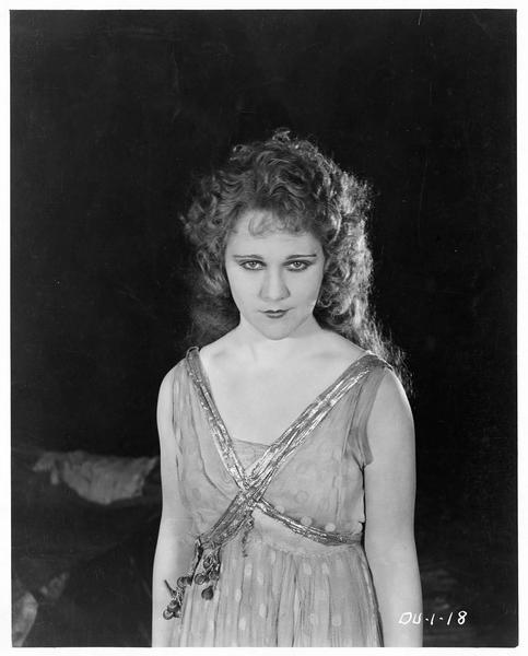 Helen Meriless (L. Lovely)