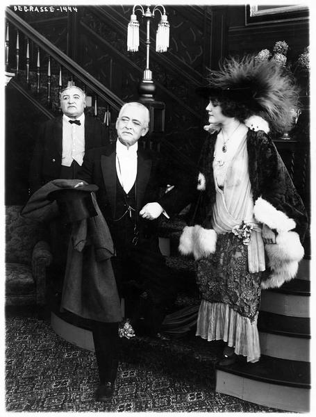 Bessie Brayton (L. Lovely) et Lemuel Morewood (D. Bell)