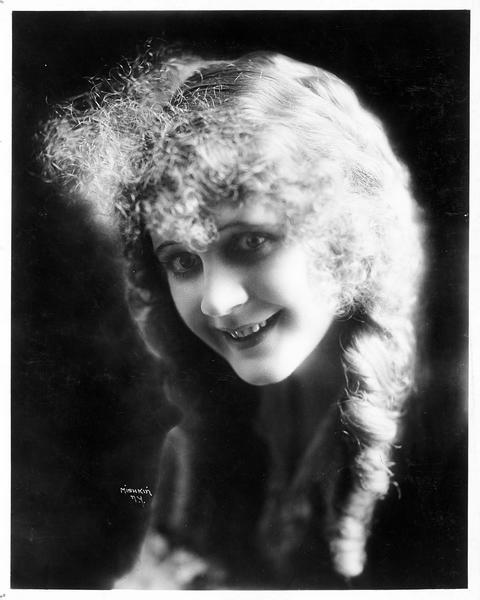 Portrait de Violet Mersereau
