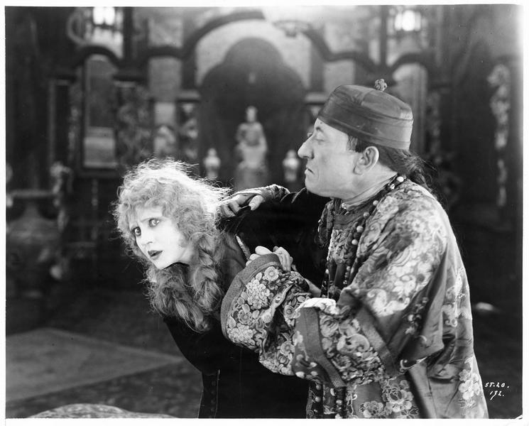 Betty, la fille ( V. Mersereau) et Lionel Jamieson (J. B. Sherry)