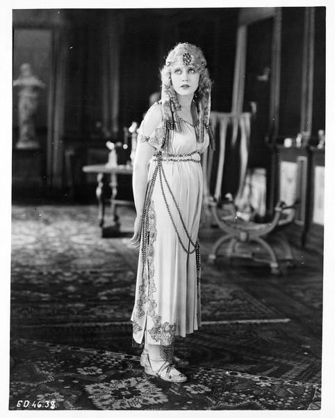 Marcia (V. Mersereau), la fille du roi, envoyée comme otage au Nero's Palace