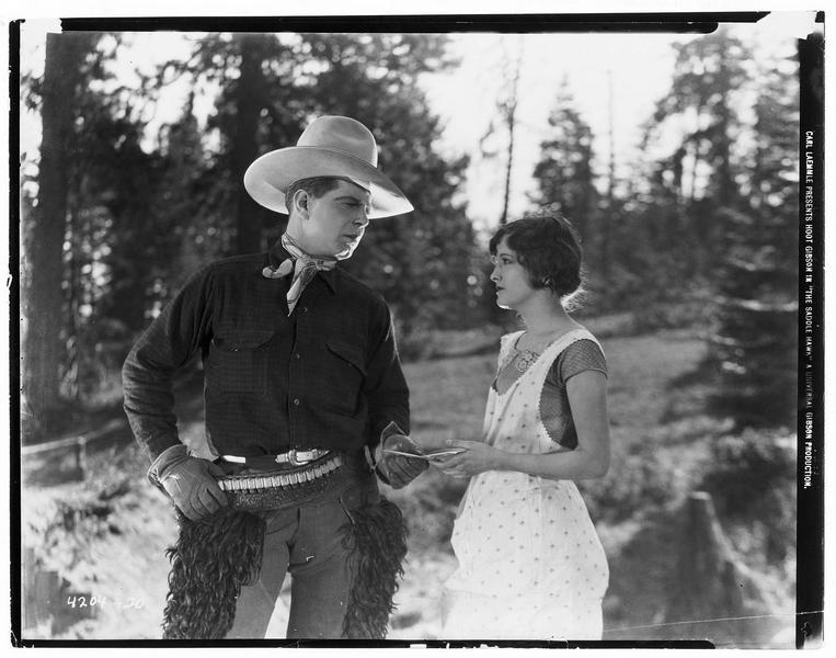 Ben Johnson (H. Gibson) et Rena Newhall (M. Nixon)