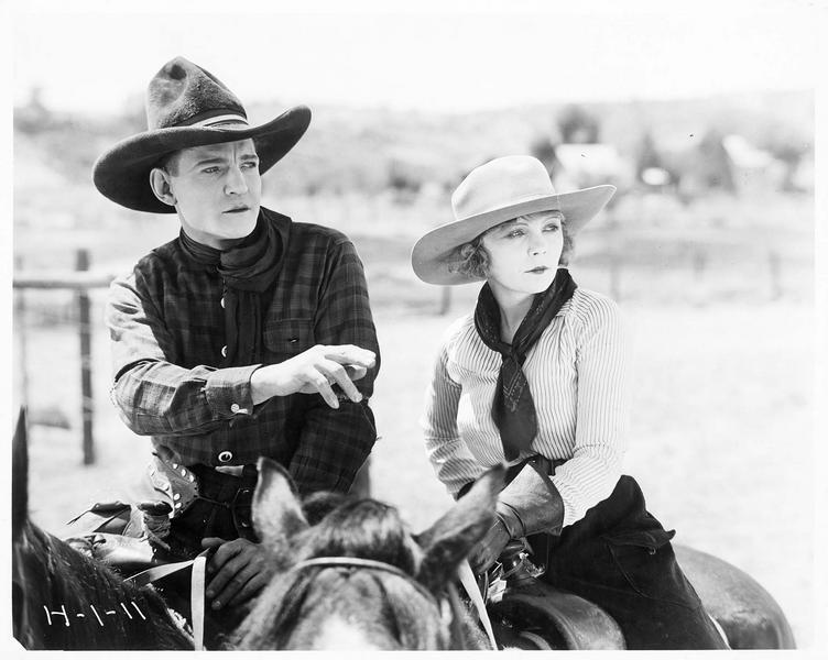 Firebrand Trevison (B. Jones) et Rosalind Benham (W. Westover) à cheval