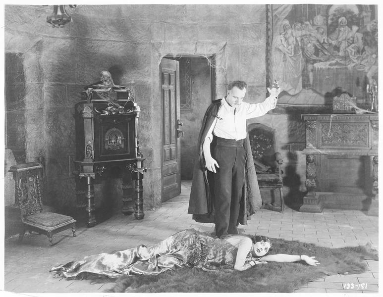 Jacqueline de Séverac-Zareda (B. La Marr) et le Marquis Ferroni (L. Stone)