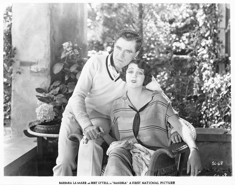 Sandra Waring (B. La Marr) et David Waring (B. Lytell)