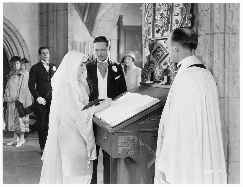 Le mariage de Velma (A. Pringle) et Lord Tandred (E. Lowe)