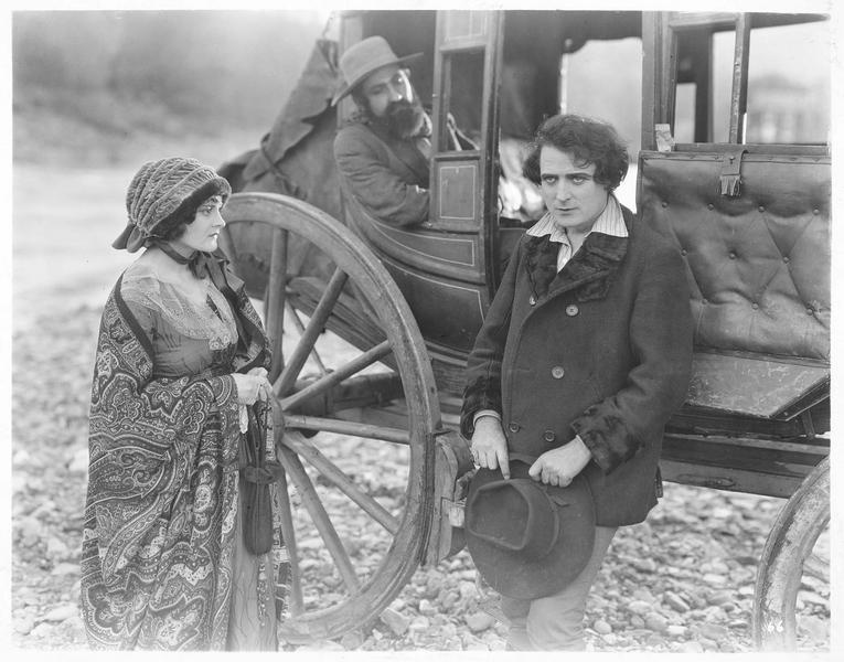 Ramerrez (J. Kerrigan) et la fille (S. Breamer)