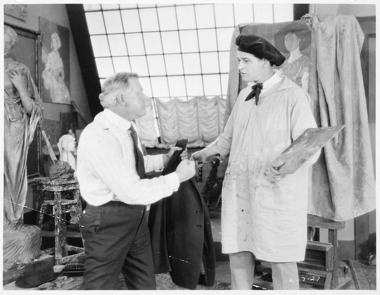 Jack Spurlock (W. Russell) dans son atelier de peinture et de sculpture