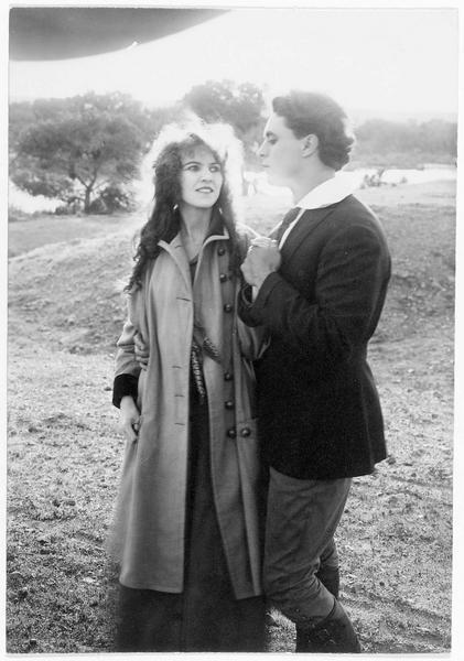 Le shérif (G. Walsh) et une jeune femme