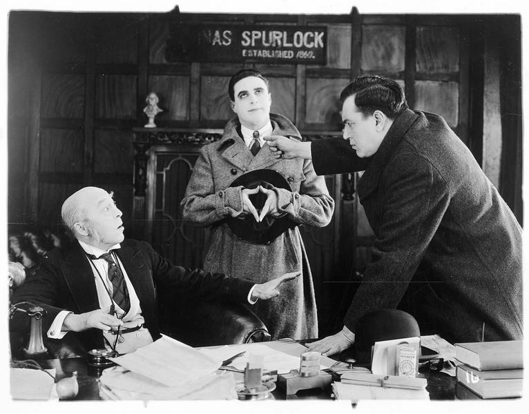 Jack Spurlock (G. Walsh) au bureau