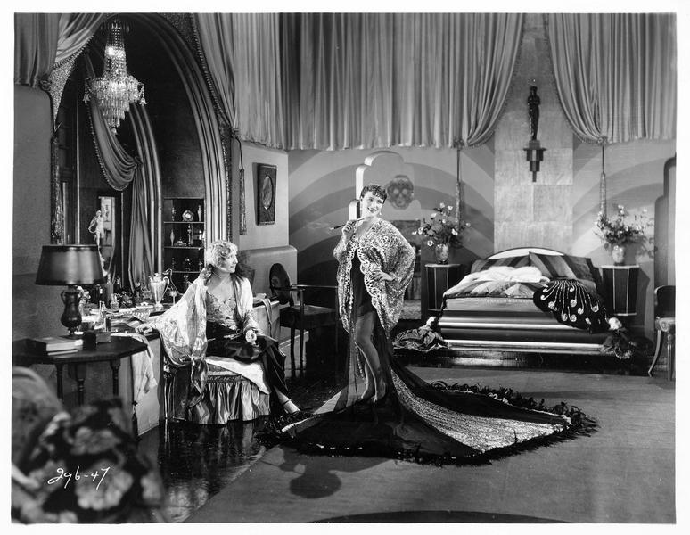 Mavis Ray (P. Starke) et Roberta Klein (G. Lee)