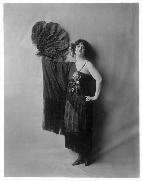 Portrait de Margarita Fisher dans le rôle de Mazie Del Mar-Blanche Harper