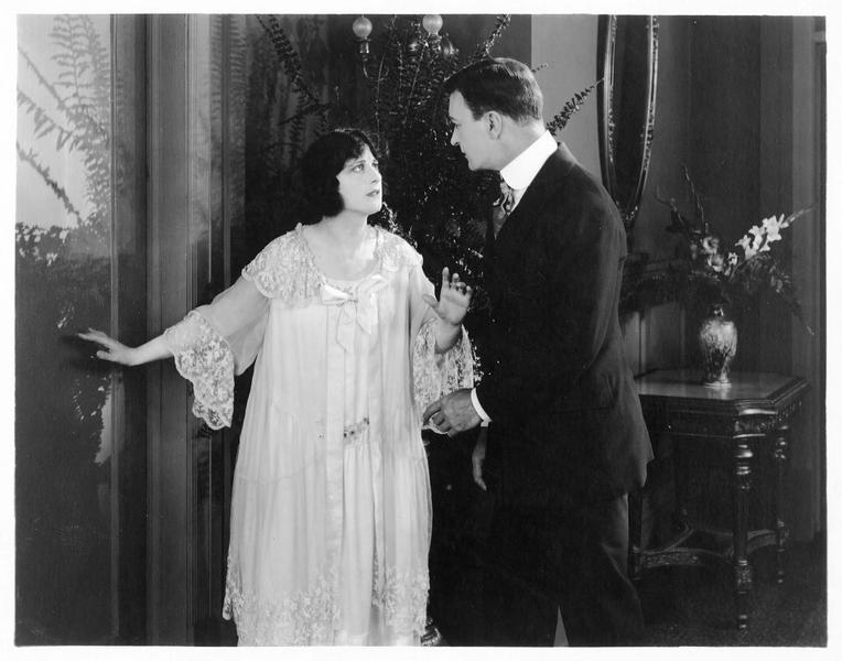 Leila Mead (M. Fisher) et Gilbert Ellis (H. Hilliard)