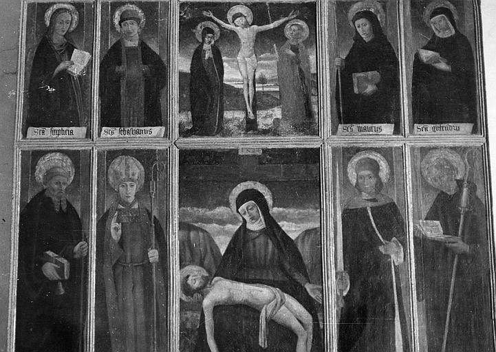 retable, 10 tableaux : Vierge de Pitié, le Christ en croix entre la Vierge et saint Jean, saints