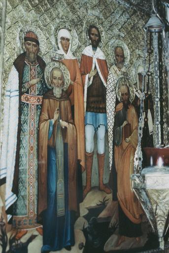 icônes des saints patronymiques des membres de la famille de l'Empereur Nicolas II (à droite) ; saints patronymiques des membres de la famille de l'Empereur Alexandre II (à gauche)