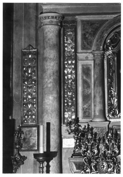 ensemble d'ex-votos de la chapelle du Rosaire présentés dans six cadres