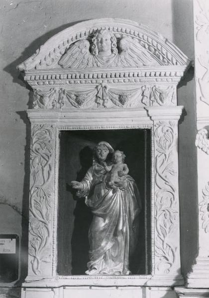 niche et statuette : Vierge à l'Enfant, vue générale