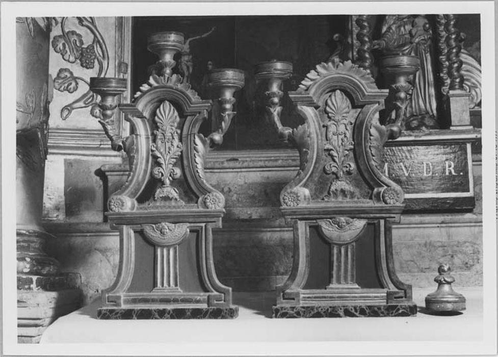 paire de chandeliers n°1, vue générale